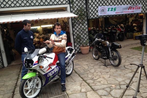 Max Temporali in sella ad una AF1 Sintesi Sport ed il Ceppa durante l'intervista tenutasi al 4° Madmax Day.